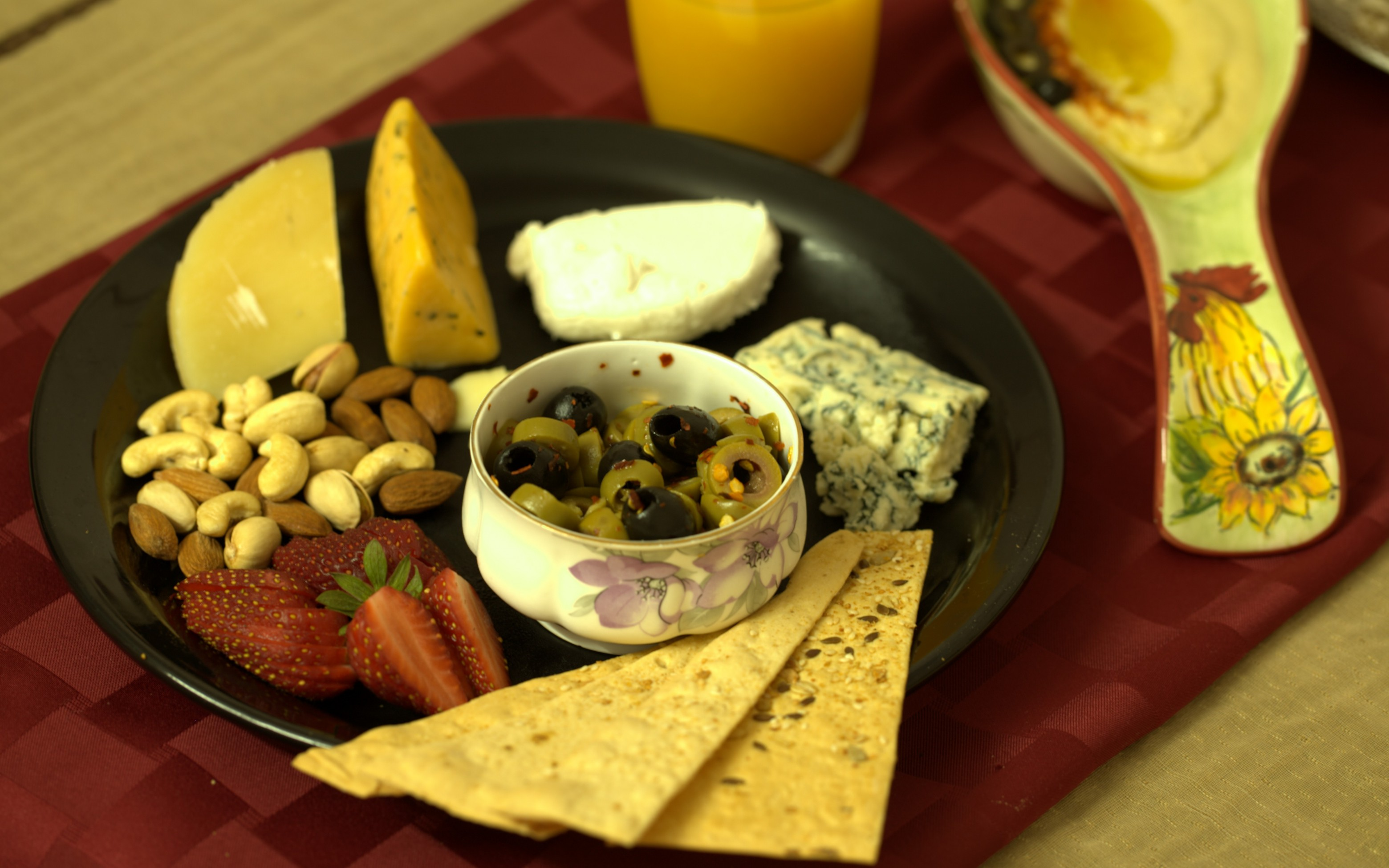 5 essentials of a perfect cheese platter