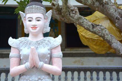phnom krom cambodia deity