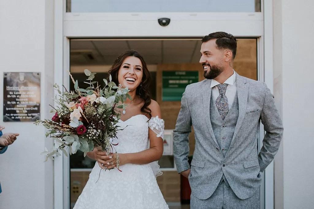 photo sortie de la marie des mariés colorés