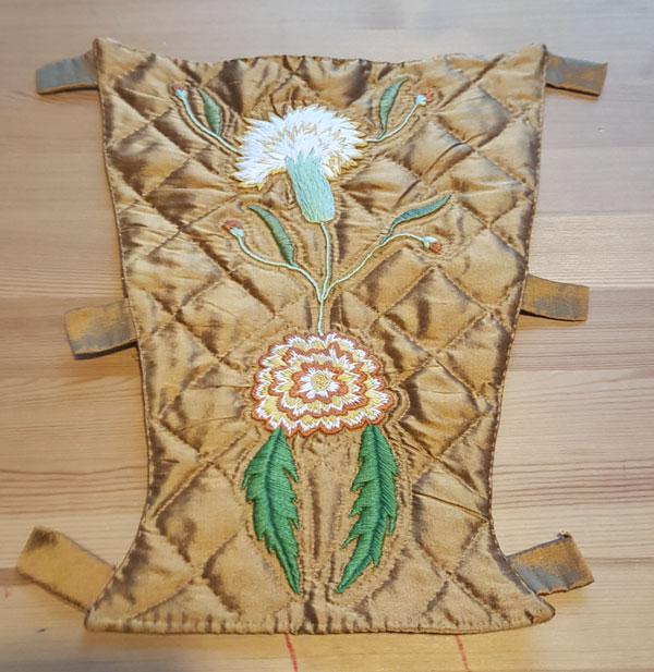 broderie sur soie sauvage de la pièce d'estomac 1770
