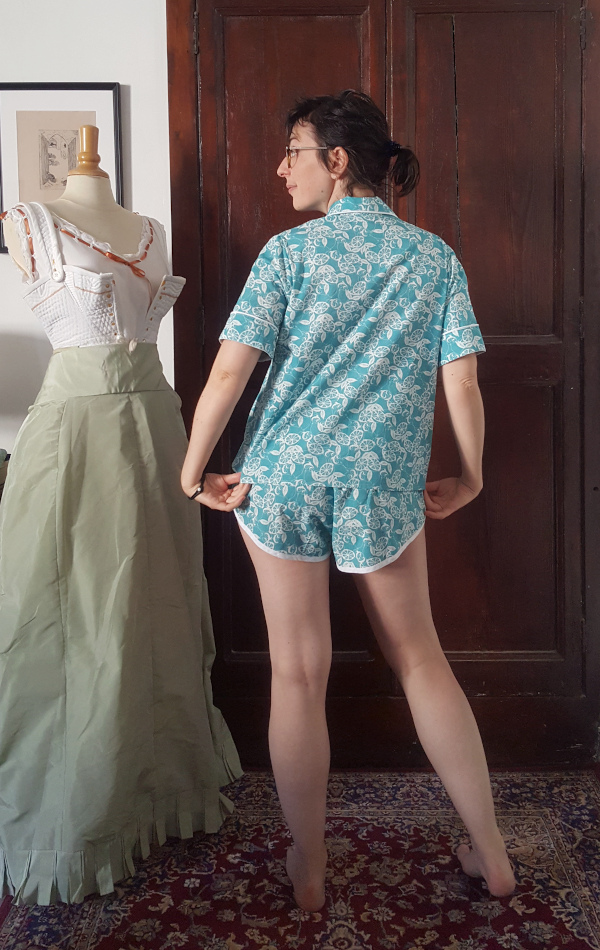 dos du pyjama Amour