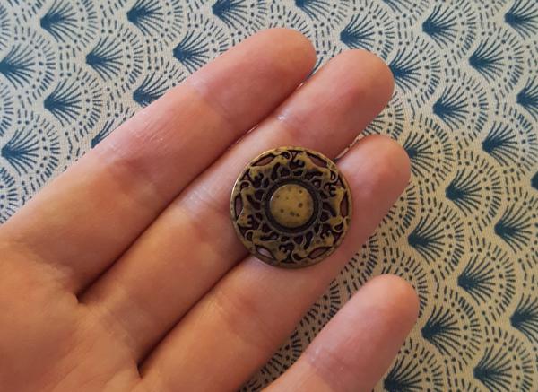 boutons en métal à motifs de lions
