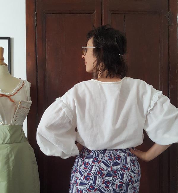 dos de la blouse Elo en mousseline blanche