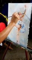 Peinture Danse classique / Ballet : Couleurs et détails de la peinture sur toile en mouvement de la danseuse Etoile réalisée aux rencontres de Maubourguet 2017 où art et sport se côtoient par Lucie LLONG, artiste peintre du mouvement