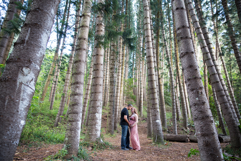 Maternity session in the woods
