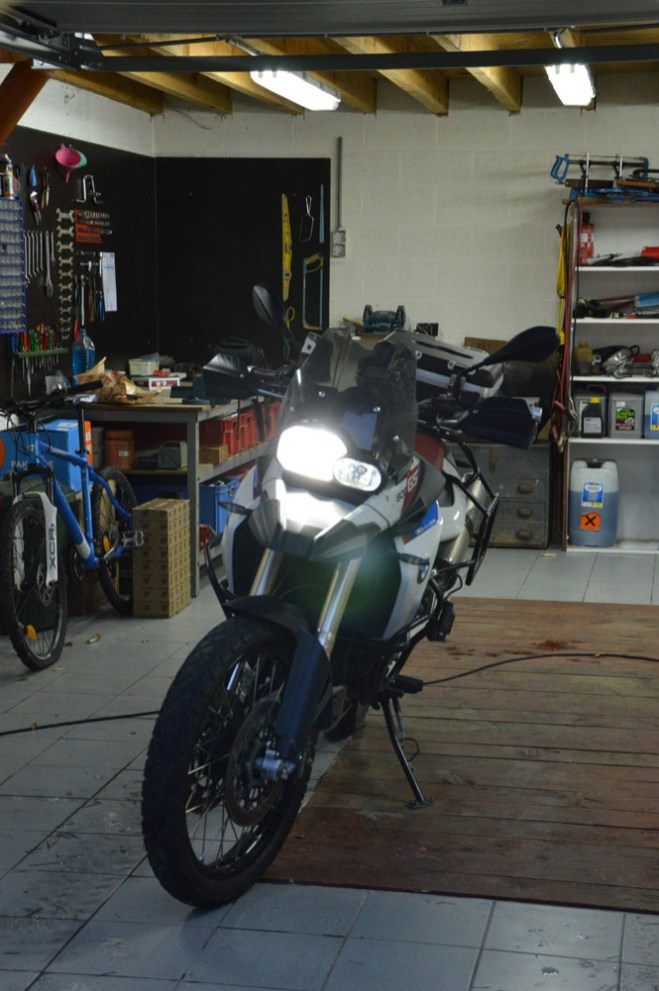 BMW F800GS with HID