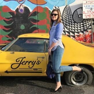 <---- Jerry's Bar
