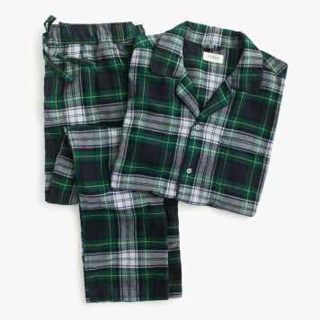 Pajama set in green tartan