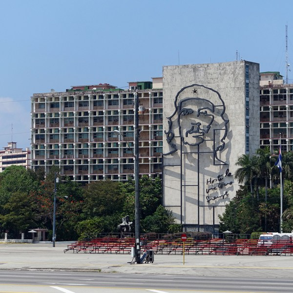 Hotel Nacional + Plaza de la Revolución (Vedado, Cuba) - In Another Minute (339)