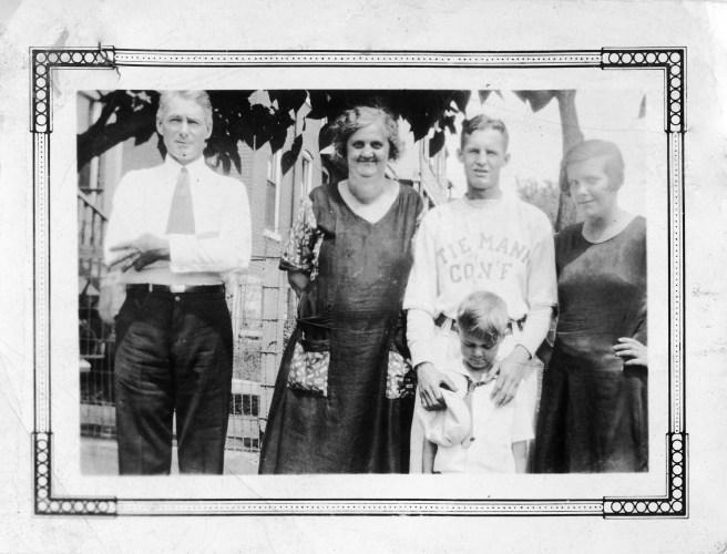 Photo of the Luckett family.Taken c. 1928.