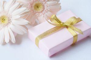 高校の入学祝いのプレゼントはブランド物が人気!女子高校生が喜ぶもの