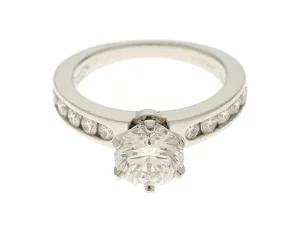 ティファニー セッティングエンゲージメントリング チャネルセット ダイヤモンド