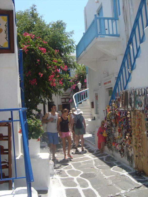 winding streets of Mykonos Greece