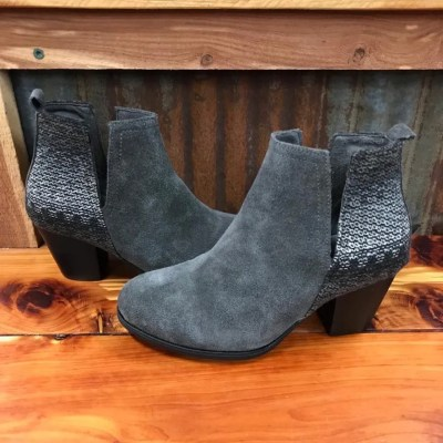 Ladies Minnetonka Mari Bootie in Charcoal