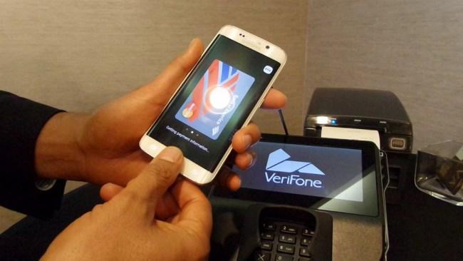 Samsung Pay dengan sidik jari sebagai otentifikasi