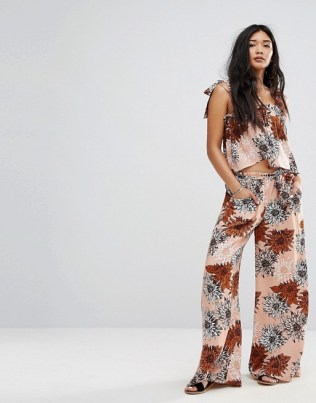 Misguided Retro Floral 1