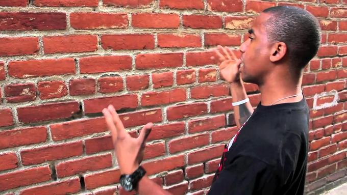lucloi.vn_Talking To Brick Wall