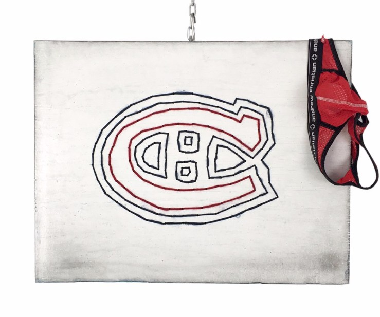 GO HABS GO ! / Luc Pallegoix, 2017. Série : Planches brodées – Embroidered board Acrylique sur bois brodé au Phentex, 70 x 54 cm 28 x 21 pouces.