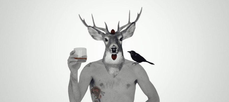 Buck Rouge trinque / Luc Pallegoix, 2016. Encre pigmentaire sur papier Moab blanc 300 gr. Disponible en grand format | 50 x 50 cm 5 ex.| ou moyen format | 23 x 23 cm 10 ex. | Trois autres numéros sont réservés pour des très grands formats.
