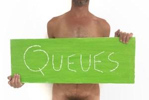 Queues / Luc Pallegoix, 2018. Série : Planches brodées – Embroidered board. Acrylique sur bois brodé au Phentex, 80 x 30 cm.