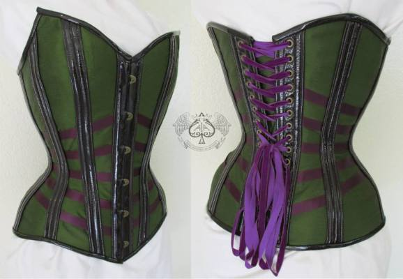 Green silk dupioni, violet ribbon and patent leather channels makes a stunning autumn lattice corset by Anachronism in Action (USA).