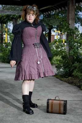 Scoundrelle's Keep Evangeline corset dress with front zip. All Scoundrelle's Keep corsets come with a zip closure option.