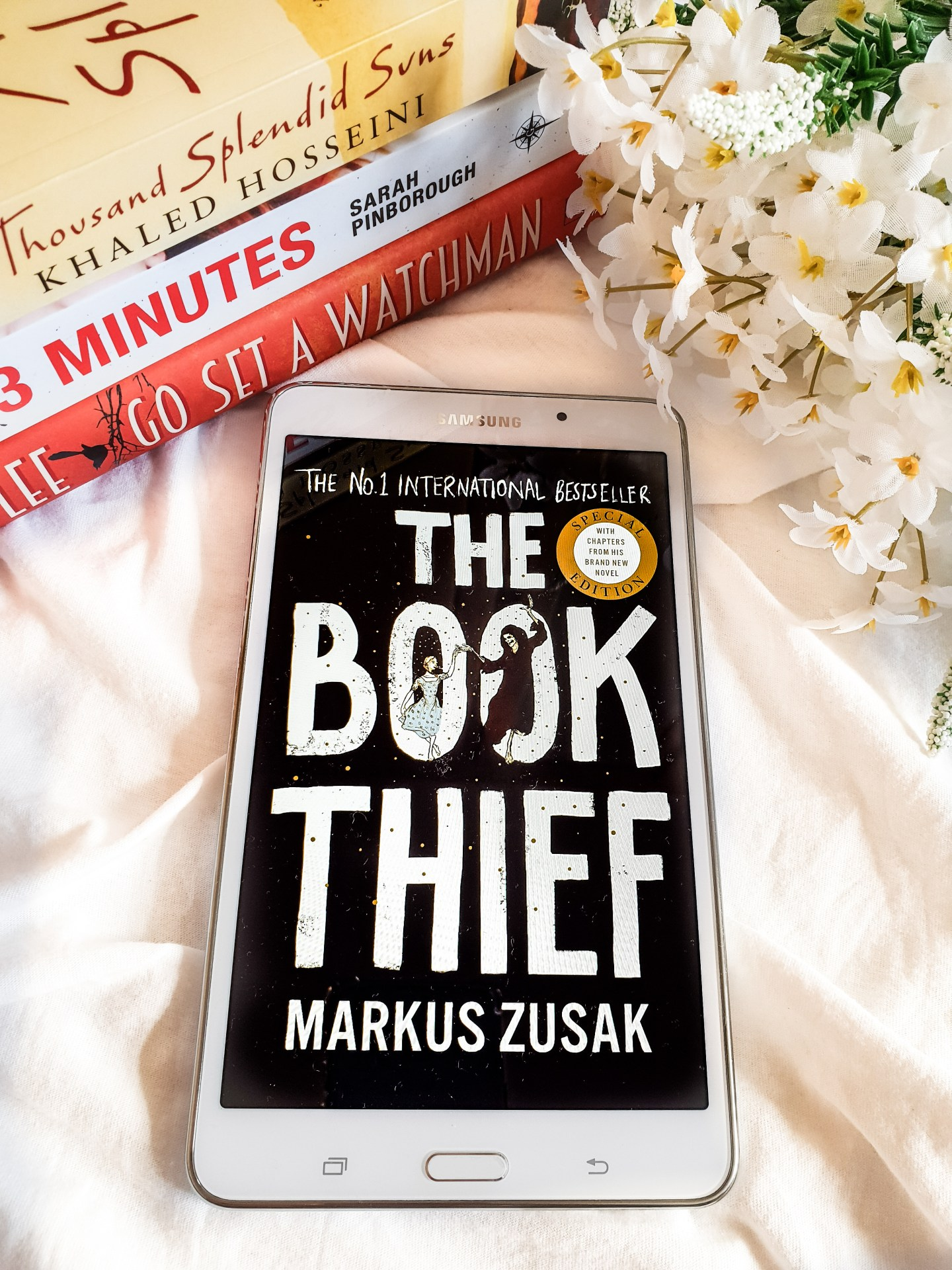 The Book Thief by Marc Zusak (Review)