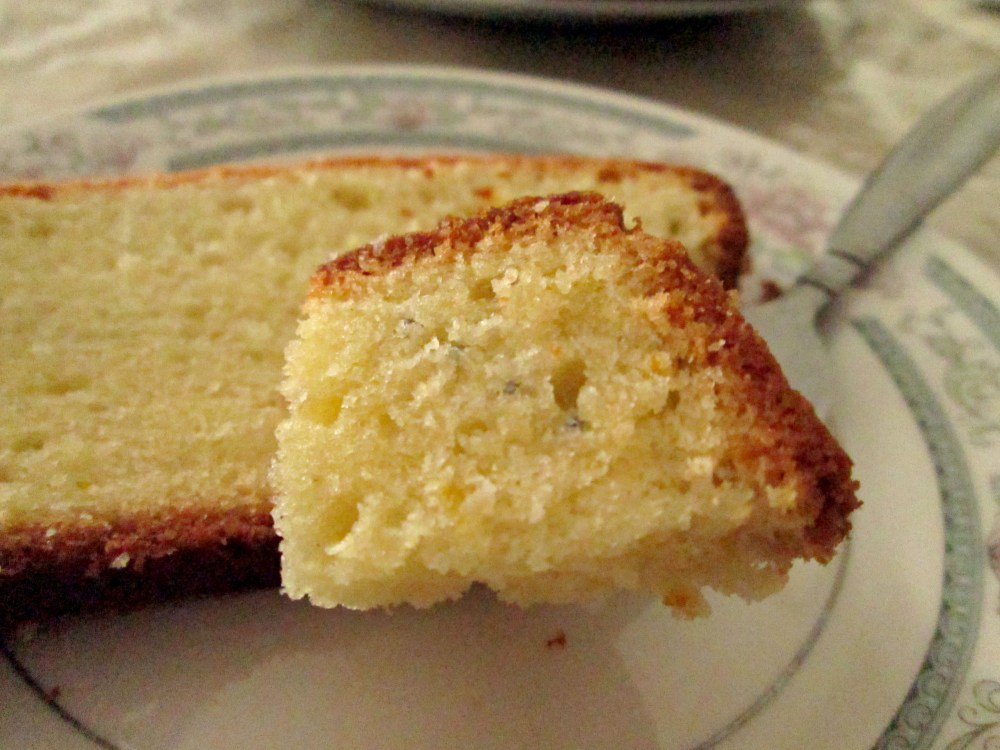 Light and Airy Pound Cake (4/4)