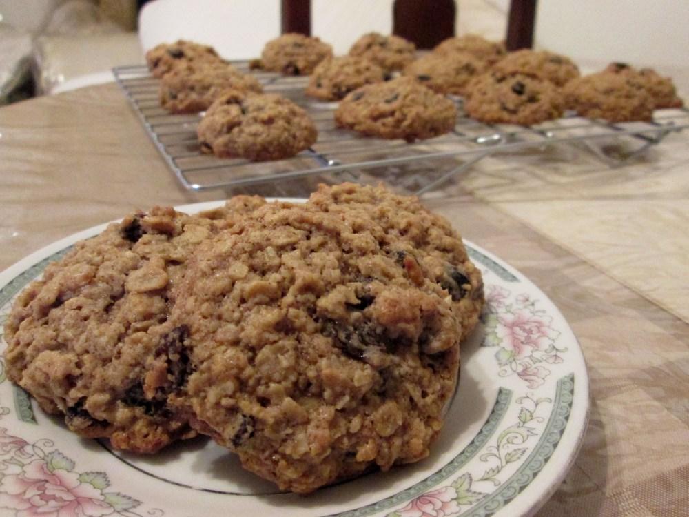 Oatmeal Raisin Cookies (1/5)