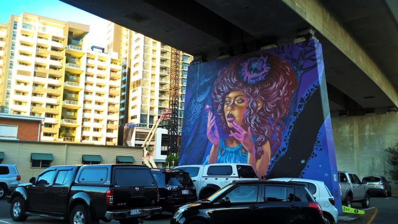brisbane street art sottopasso e palazzi