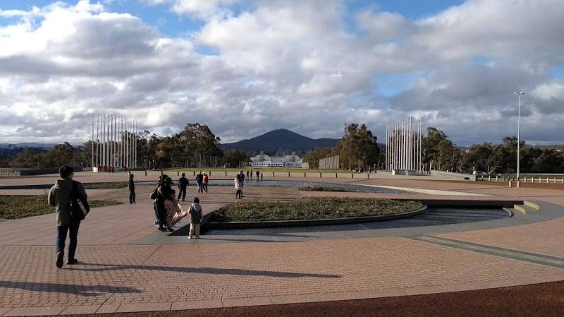 Parlamento Australiano Camberra, piazza da cui parte la visita guidata