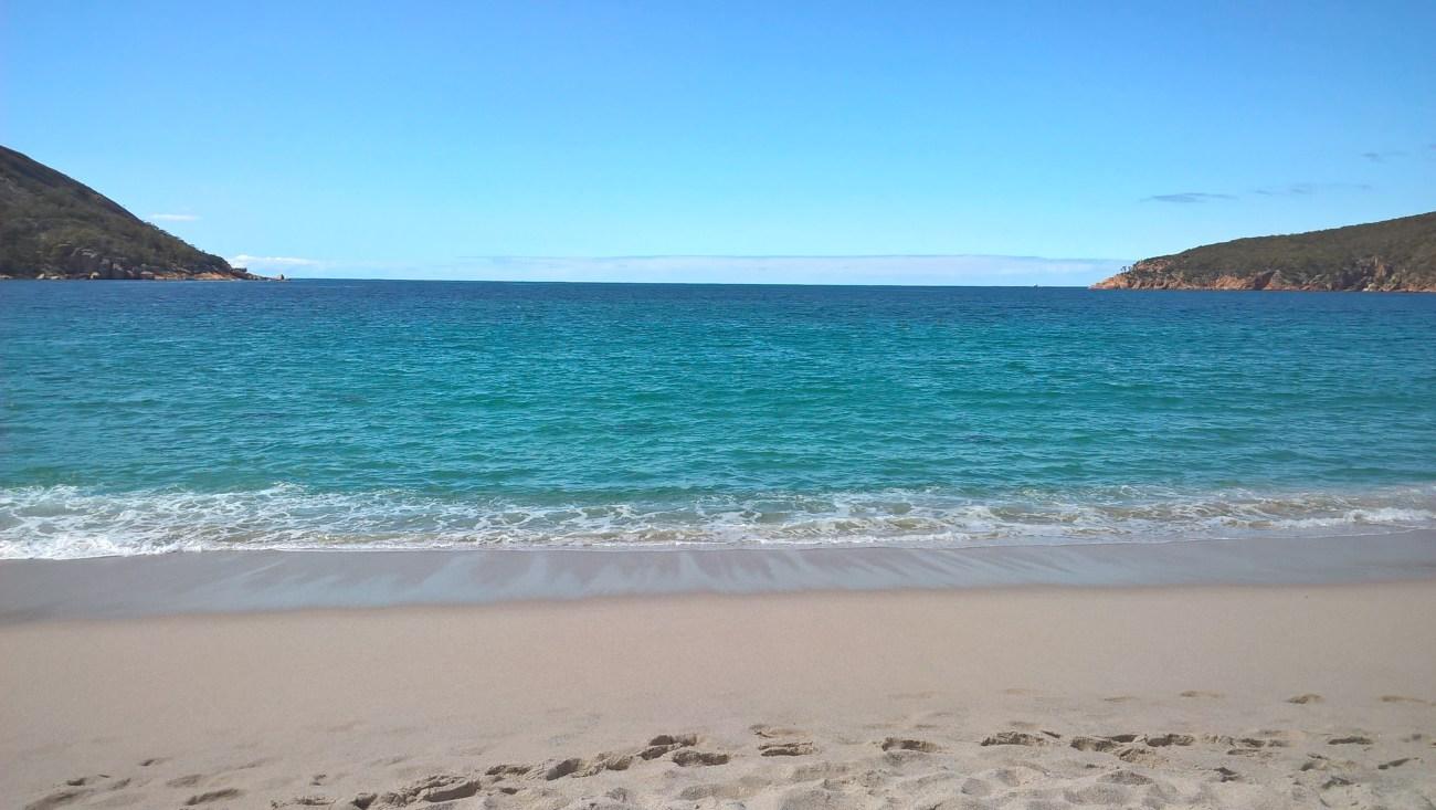 wineglass-bay-mare-dalla-spiaggia