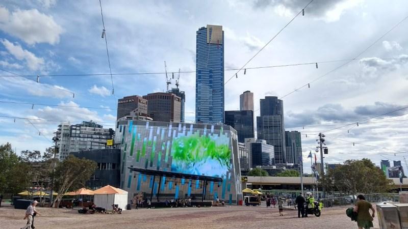 Primavera in Australia: Melbourne, Federation Square