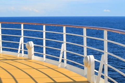 How to Pack a Capsule Wardrobe for a 7 Day Mediterranean Cruise - Lucy Williams Global