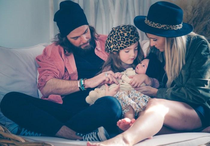 Stéphanie & Mathieu – Douce séance naissance à domicile