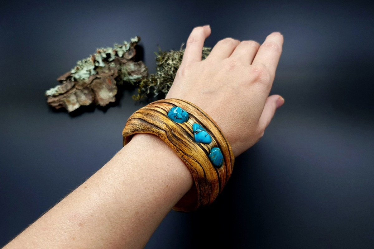 Paid Tutorial: Faux driftwood bracelet cuff with turquoise stone 6