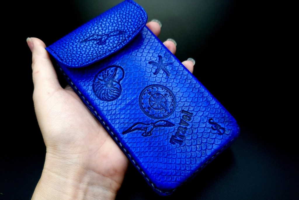 My 2nd handmade phone case from amazing polymer clay Fimo leather! 4