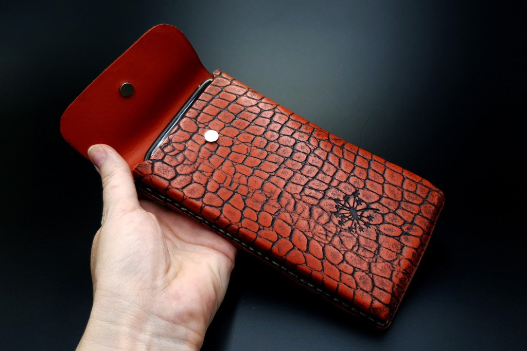 My 1st Faux Leather Phone Case from amazing polymer clay Fimo Leather Effect 5