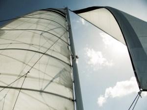 View of the mast, main sail and jib