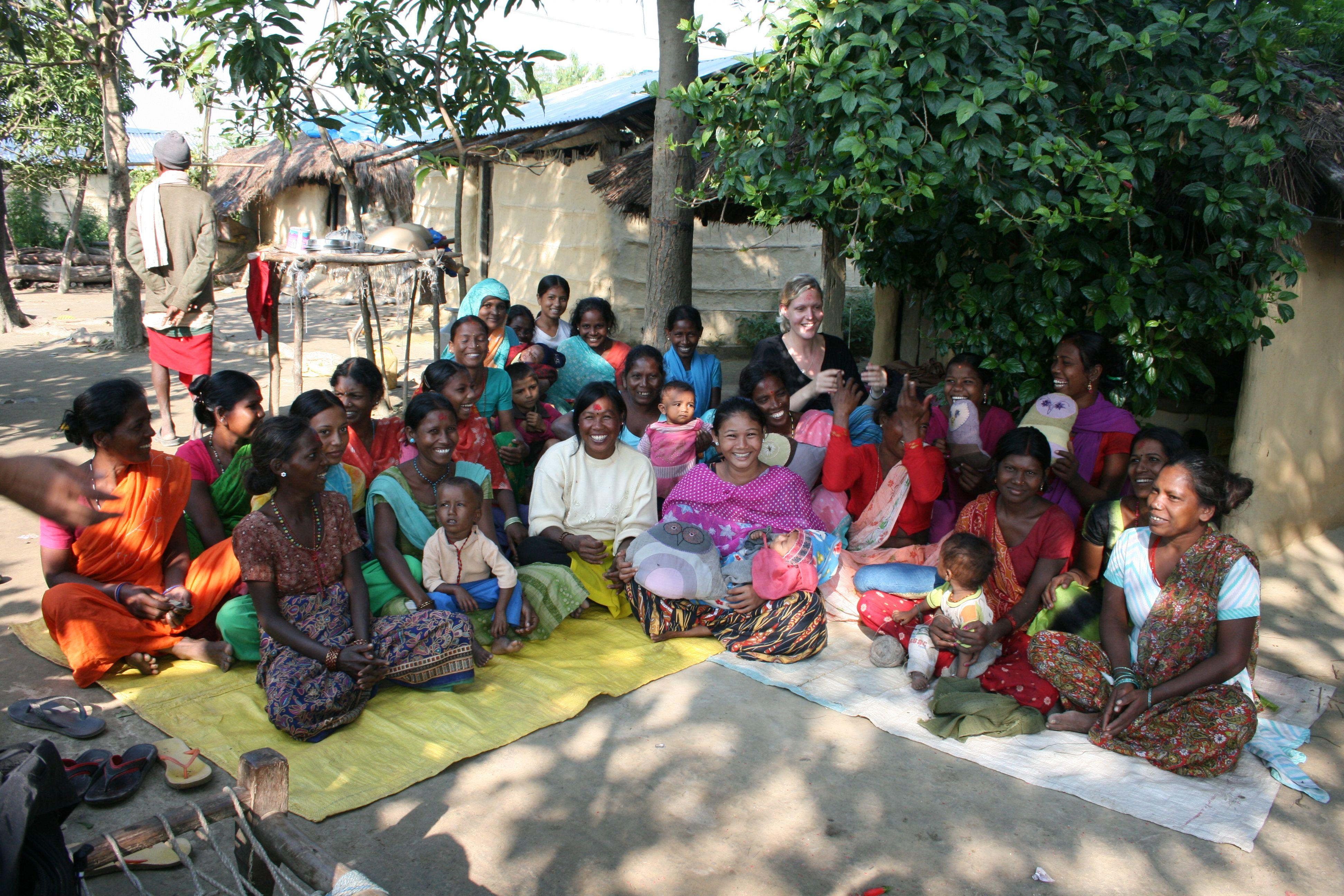 21 kvinder fra landsbyen Soiya, Karen Vibeke og vores fuglevenner