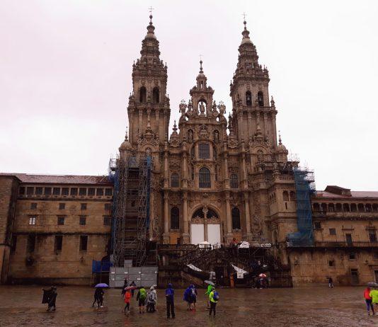 La Catedral de Santiago de Compostela en día lluvioso.
