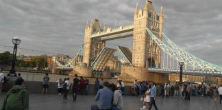 El Puente de Londrés – London Bridge