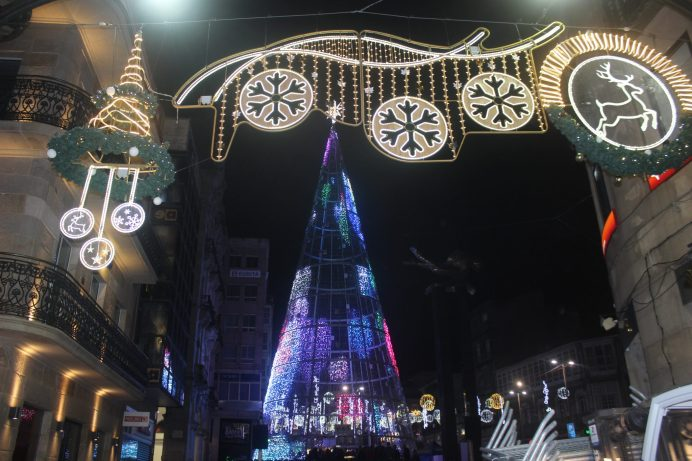 Árbol Porta do Sol. Alumbrado Navidad Vigo 2019