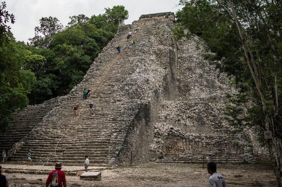 Pirámide de Cobá, cerca de Tulum