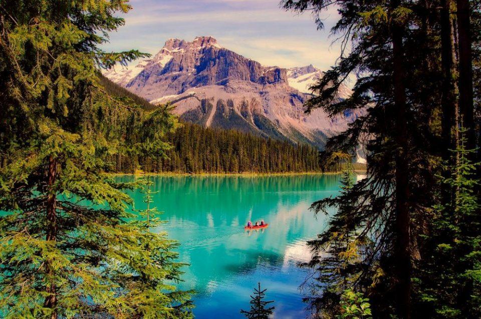 Lago Esmeralda en Canada - Vacaciones en tren Rocky Mountaineer