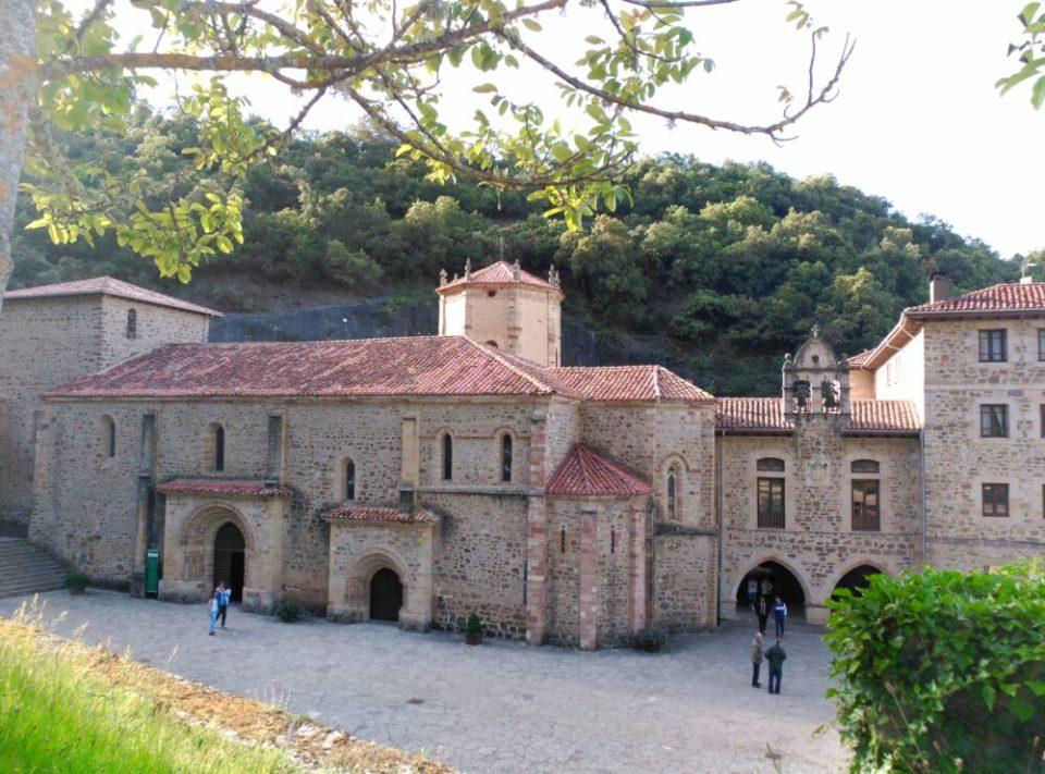 Monasterio de Santo Toribio de Liébana, fin de la ruta original del Camino Lebaniego
