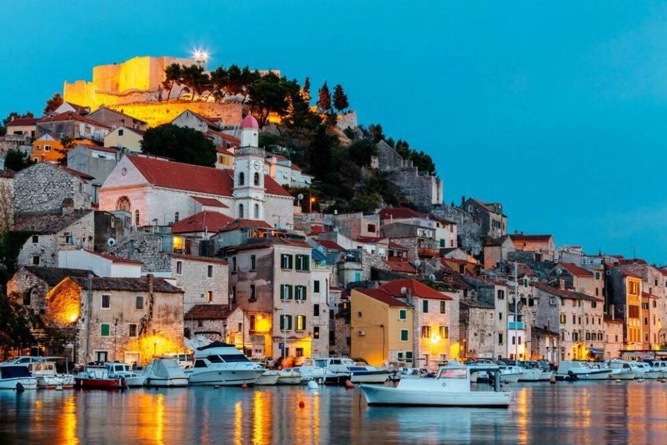 Sibenik, uno de los pueblos costeros más bonitos de Croacia