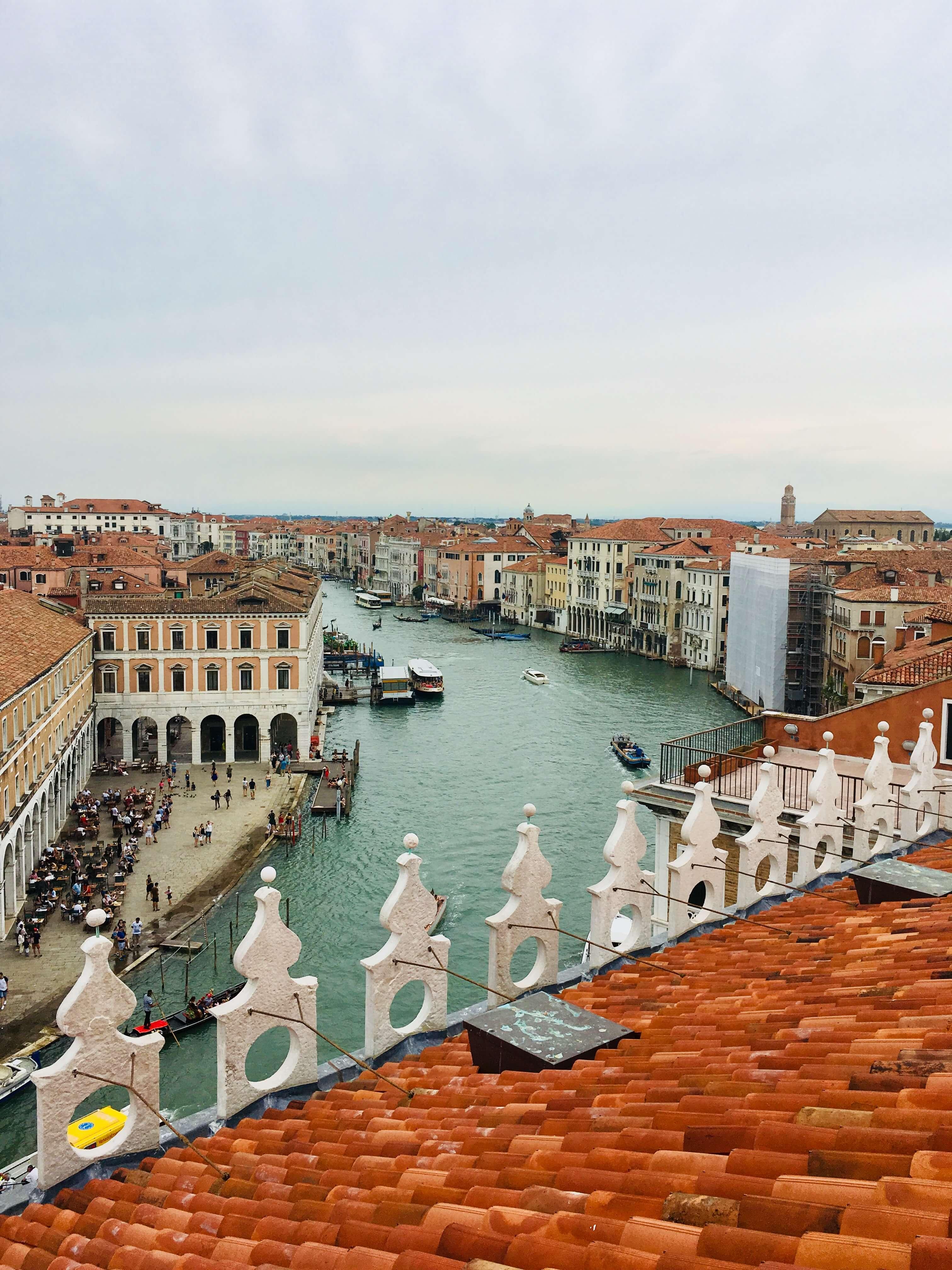 T Fondaco Dei Tedeschi Rooftop Terrace In Venice Luggage