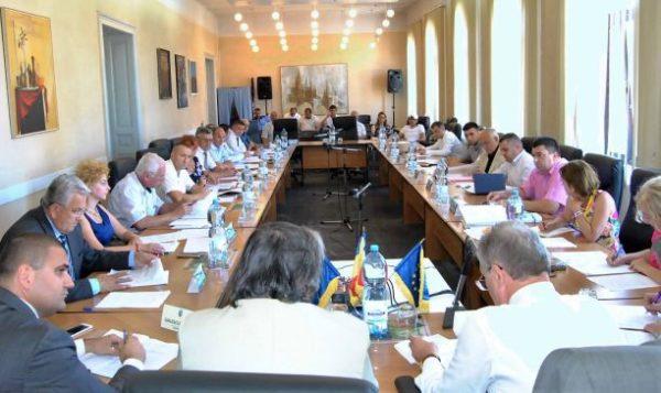 Lugoj Expres Consilierii lugojeni se întrunesc în ședință ordinară ședință proiecte Paul Gräfendorf organigramă Ingo Glas hotărâri Consiliul Local Lugoj cheia orașului
