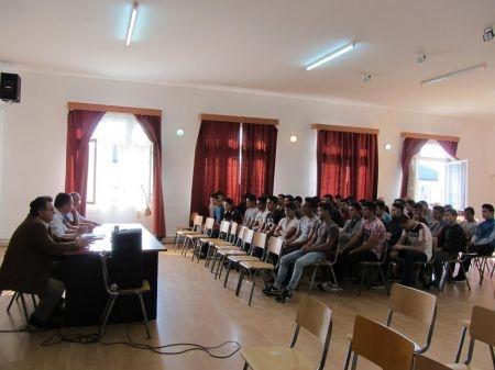 Lugoj Expres Clopoțelul a sunat și pentru minorii și tinerii aflați în Centrul de Reeducare Buziaș începerea noului an școlar Centrul de Reeducare Buziaș